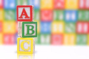 3 giochi per stimolare la capacità di riconoscere e produrre parole in rima